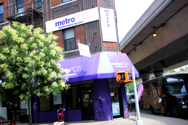 An East Harlem MetroPCS was robbed at gunpoint for more than $1,300 in cash on Nov. 8, police said.