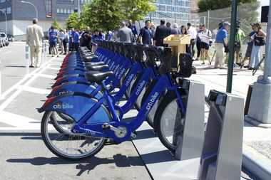 The first Citi Bike station in Hunters Point opened in 2015 at Center Boulevard between Borden and 54th avenues.