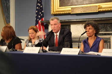 Mayor Bill de Blasio gave an upadate on the Legionairres' outbreak in the South Bronx. Health Commissioner Dr. Mary Basset is to his right and Council SPeaker Melissa Mark-Viverito is on his left.