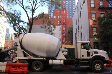 Construction of a new condo tower is underway on East 89th Street.