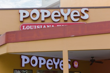 Rosemary Thomas said she was at a Harlem Popeyes restaurant, at 2370 Frederick Douglass Boulevard on West 145th Street, when she discovered a fried rat head in her chicken.