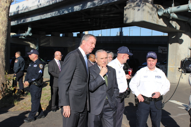 Police Commissioner William Bratton was correct when he said last week that Mayor Bill de Blasio was slow in recognizing an obvious increase in homelessness, the mayor acknowledged Monday.