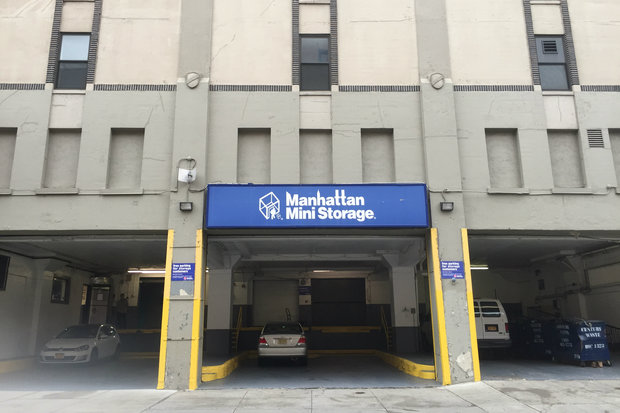 Fired Manhattan Mini Storage Worker Throws Bricks At Boss ...