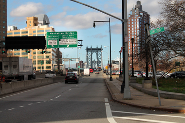 Residents say the left turn from the southbound Manhattan Bridge onto Concord Street is a safety risk.