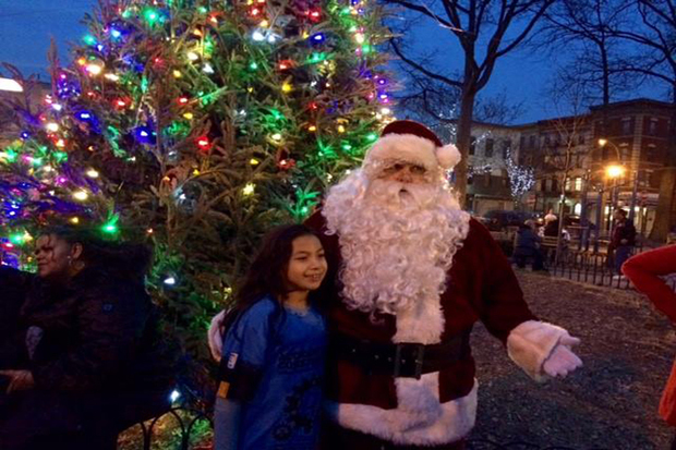 Bronxites Celebrate Christmas Tree Lighting On Arthur