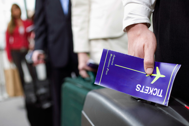 Travel agents would have to register with the state annually under a new bill aimed at preventing fraud.