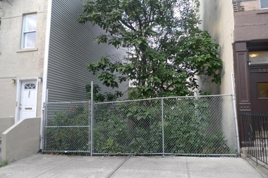 The community garden at 503 President St. in Gowanus as it appeared in 2013, when it was still a vacant lot. The greenspace is one of 34 community gardens recently designated as permanent parkland.