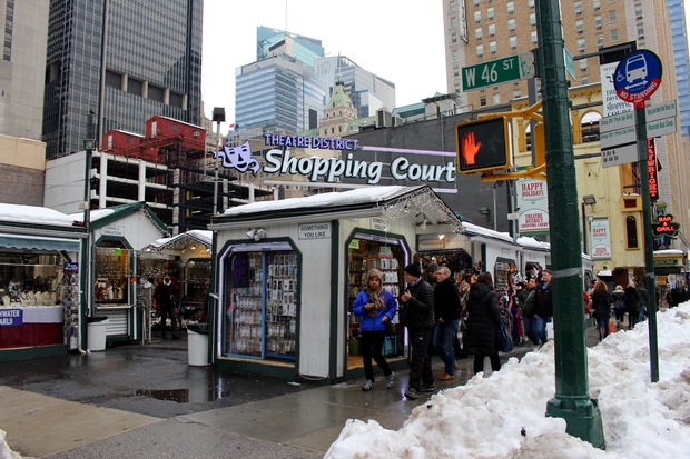 Theater district outdoor market plagued by teen thieves vendors say