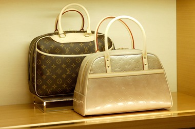 Thieves Steal $24,000 in Designer Handbags Through Store Ceiling, NYPD Says