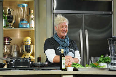Celebrity chef Anne Burrell is planning a new restaurant at the former Char No. 4 space at 196 Smith St.