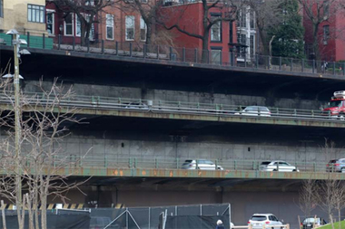 The Department of Transportation held the first of several public meetings to discuss reconstruction of the Brooklyn-Queens Expressway's triple-cantilevered section Wednesday.