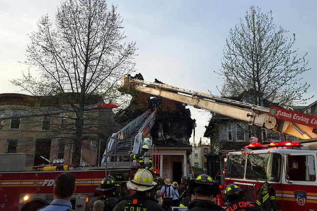 1 Person Killed And 2 Injured In Prospect Lefferts Gardens Fire Fdny Says Prospect Lefferts