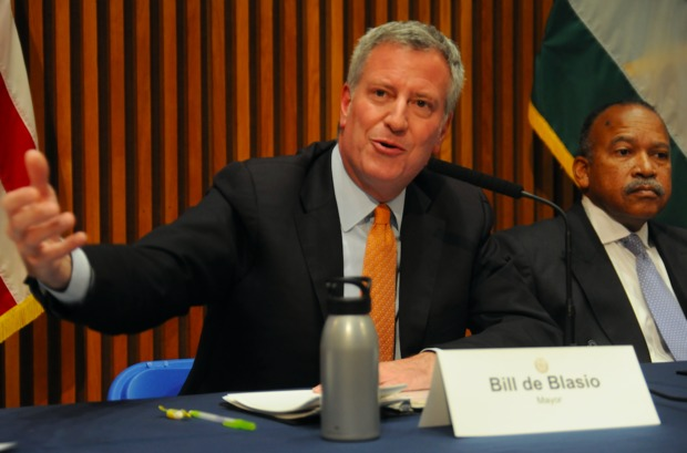 Mayor Bill de Blasio said the public doesn't care about the various federal and state probes swirling around the NYPD and his fundraising activities or his long-running beef with Gov. Andrew Cuomo.