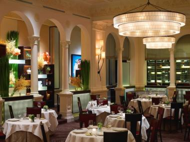 Interior Of Daniel Boulud S Upper East Side French Eatery That Michelin Awarded A Three