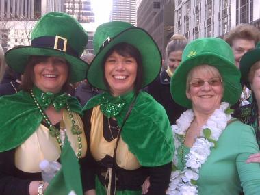 Alison Dyer (r.), Coleen Brady (c.) and Jennifer Gaffney (l.) flew in from Scotland for the parade