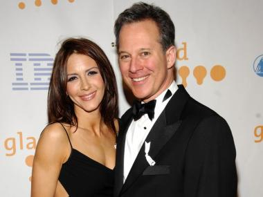 State Sen. Eric Schneiderman, pictured with actress Michelle Clunie, just received the backing of the New York County Democratic Committee.