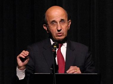 New York City School Chancellor Joel Klein speaks during a memorial service for Frank McCourt at Symphony Space on October 6, 2009 in New York City.