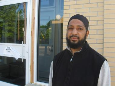 Rafiq Akhdar, who prays at the Masjid An-Noor in Bridgeport, Conn. two to three times a day, every day, said he doesn't remember ever seeing Shahzad at the mosque.