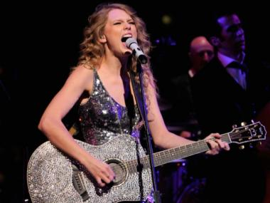 Taylor Swift rocked for last year's attendees of Time's 100 Most Influential People gala.