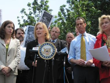 Sen. Kirsten Gillibrand, joined by Reps. Anthony Weiner and Carolyn Maloney, right, and Community Board 1 Chairwoman Julie Menin, left, announced the first Senate hearing on the 9/11 Health Act.