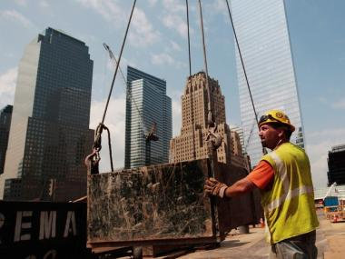 Workers who suffered health problems after inhaling toxic dust at Ground Zero had until Monday night to agree to a landmark settlement with the city.