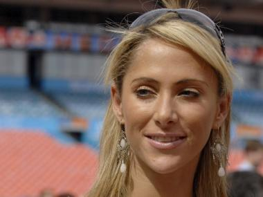 Spanish-language reporter Ines Sainz accused several Jets players of making unwanted sexual advances toward her during their practice on Saturday.