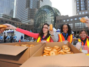 Volunteers in Battery Park City handed out food to runners in last year's NYC Half-Marathon.