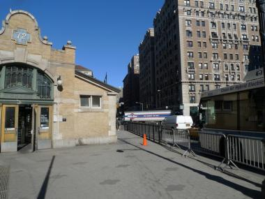 Work is set to begin this week on repairing the long-broken fence at the West 72nd Street subway station.