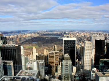 Apartment prices dropped in the first quarter of 2011 as condo sales slumped.