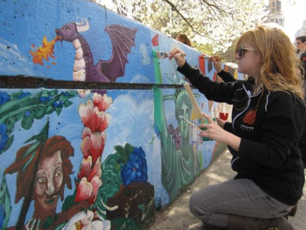 Volunteers restore tribeca 39 s 39 alice in wonderland 39 mural for Alice in wonderland mural
