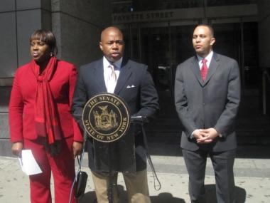 State Assemblywoman Vanessa Gibson (l.), State Senator Eric Adams and State Assemblyman Hakim Jefferies introduced a bill requiring convicted felony Domestic Violence offenders to register.