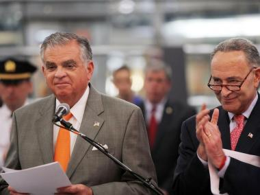 Transportation Secretary Ray LaHood announced the U.S. government has awarded $795 million to increase rail speeds between Boston and Washington.