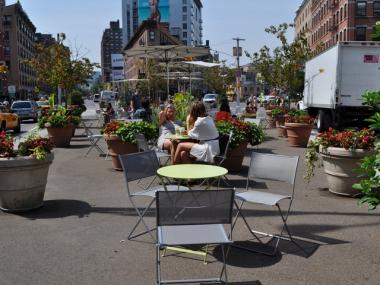 Chelsea public plaza, or the Chelsea Triangle, at 14th Street and Ninth Avenue, has been open since 2009. Now the Chelsea Improvement Company asks for food vendor proposals.