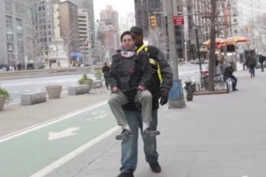 7dc53503e66 VIDEO  Comedian Takes a Ride Through UWS Inside  30 Rock  Star s ...