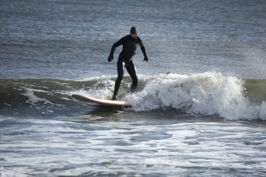 VIDEO Learn How To Surf In Winter In New York City Arverne - The 7 best beaches for winter surfing