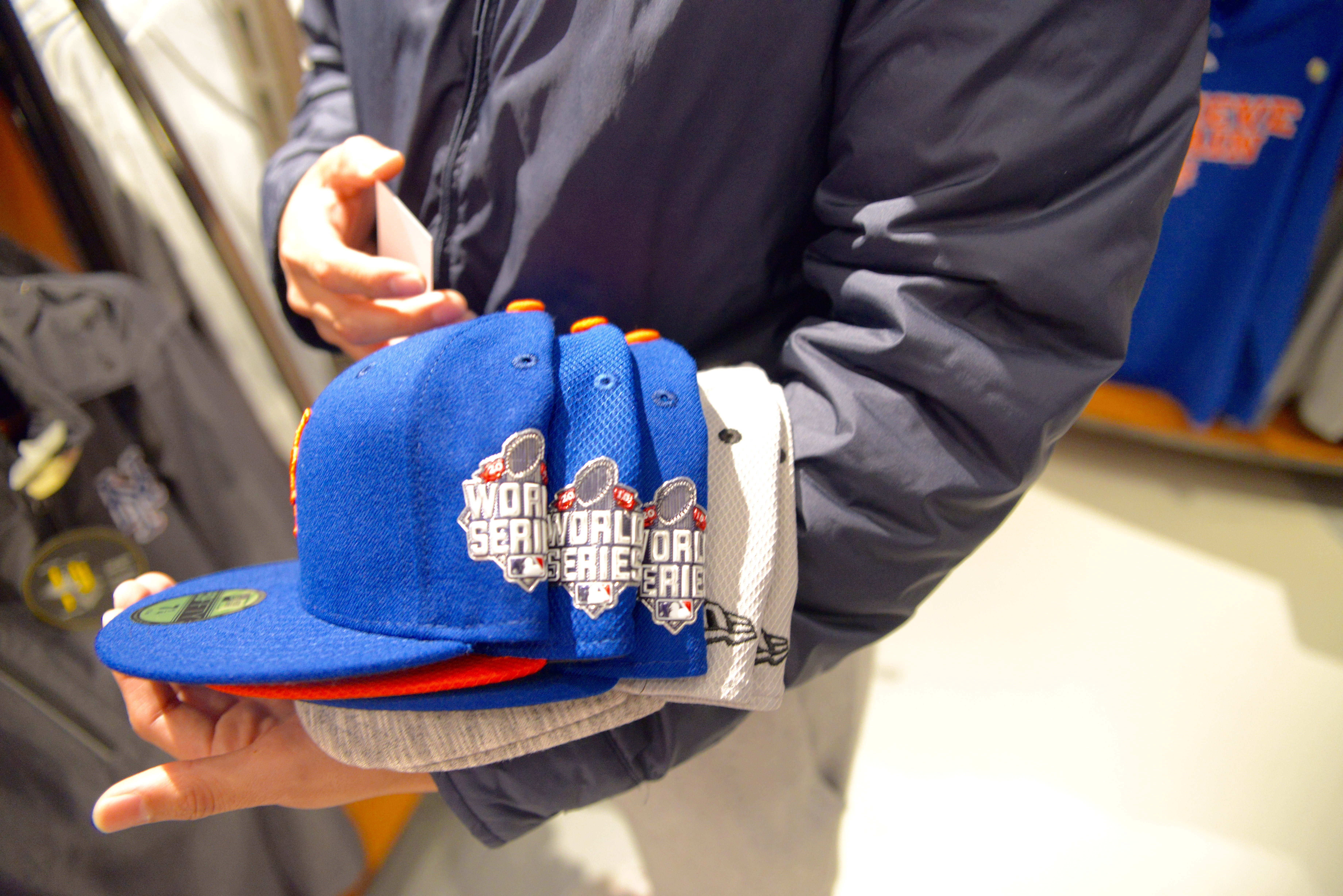 Mets Fans Flood Team Store to Celebrate World Series Trip