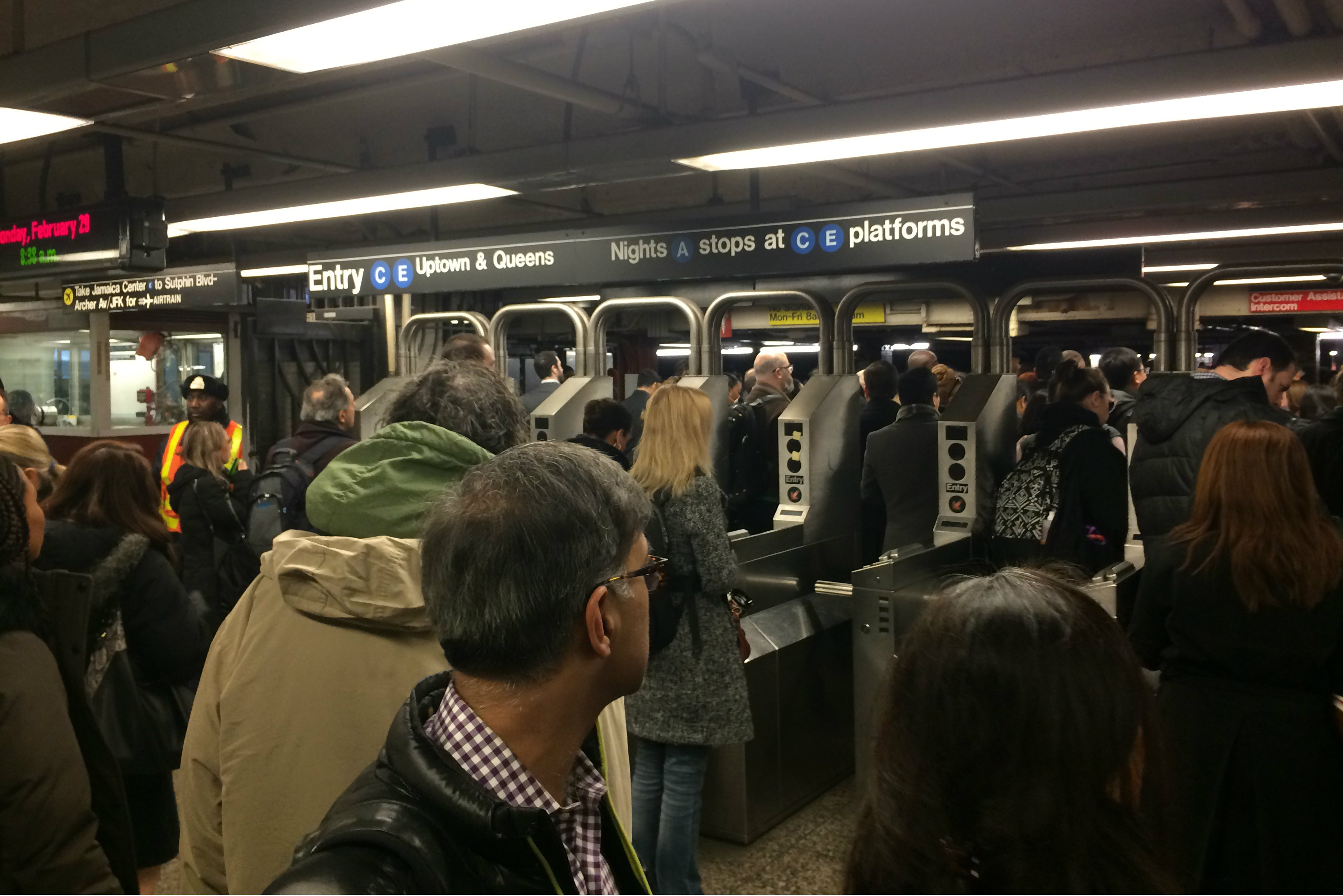 E and F Trains Delays Caused by Lingering Weekend Track Work, MTA