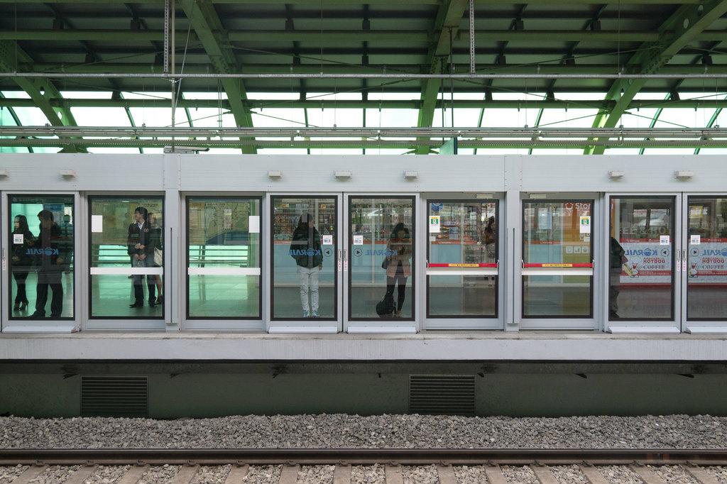 platform doors