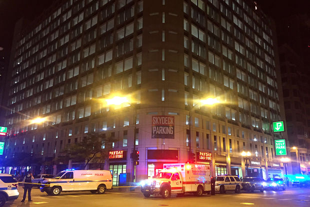 A 26-year-old man was fatally shotand fell off a parking garage inThe Loop Wednesday night.