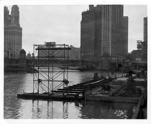 Here's how the Red Line got under the Chicago River.