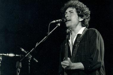 Singer-songwriter Bob Dylan won the Nobel Prize for Literature Thursday.