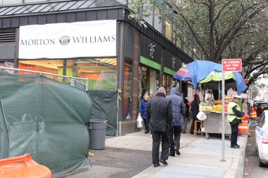 A meeting on Thursday aims to hear how street vendors affect small business and what could be done to cut down on health and sanitation issues that residents say stem from their proliferation.