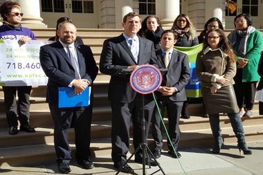 From left: City Councilman Rory Lancman, AssemblymanEd Braunstein and City Councilman Dan Garodnick at a press conference Wednesday in a push for a new City Council bill that would criminalize