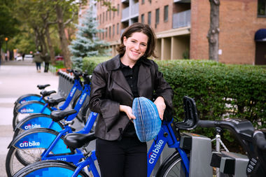 Isis Shiffer won the 2016 James Dyson Award for her invention of a foldable paper bike helmet.