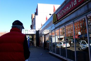 Many chain stores along Bedford Avenue and Manhattan Avenue didn't donate to the holiday light funds, merchants said.