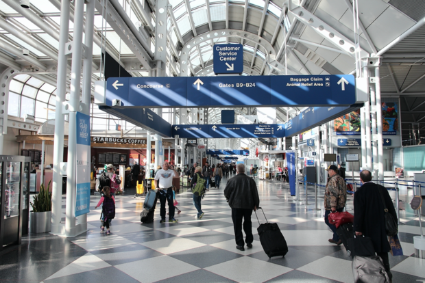 New O Hare Bus Lets Flyers Transfer Terminals Without