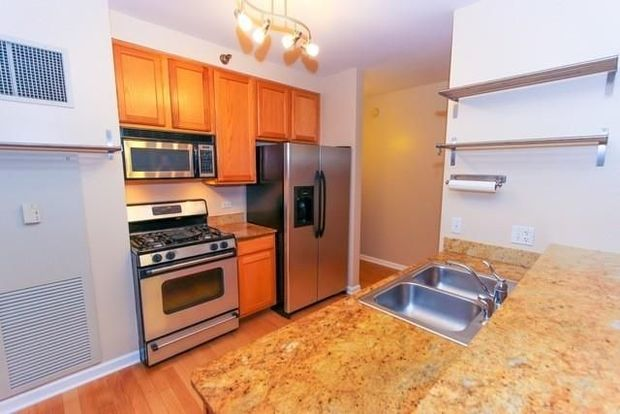 3 Bedroom 2 Bathroom South Loop Condo Listed At 465 000 South Loop Chicago Dnainfo