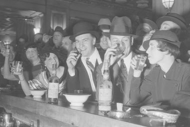 Chicagoans belly up to the Crystal Bar at the Hotel Brevoort to celebrate repeal of Prohibition on Dec. 1, 1933.