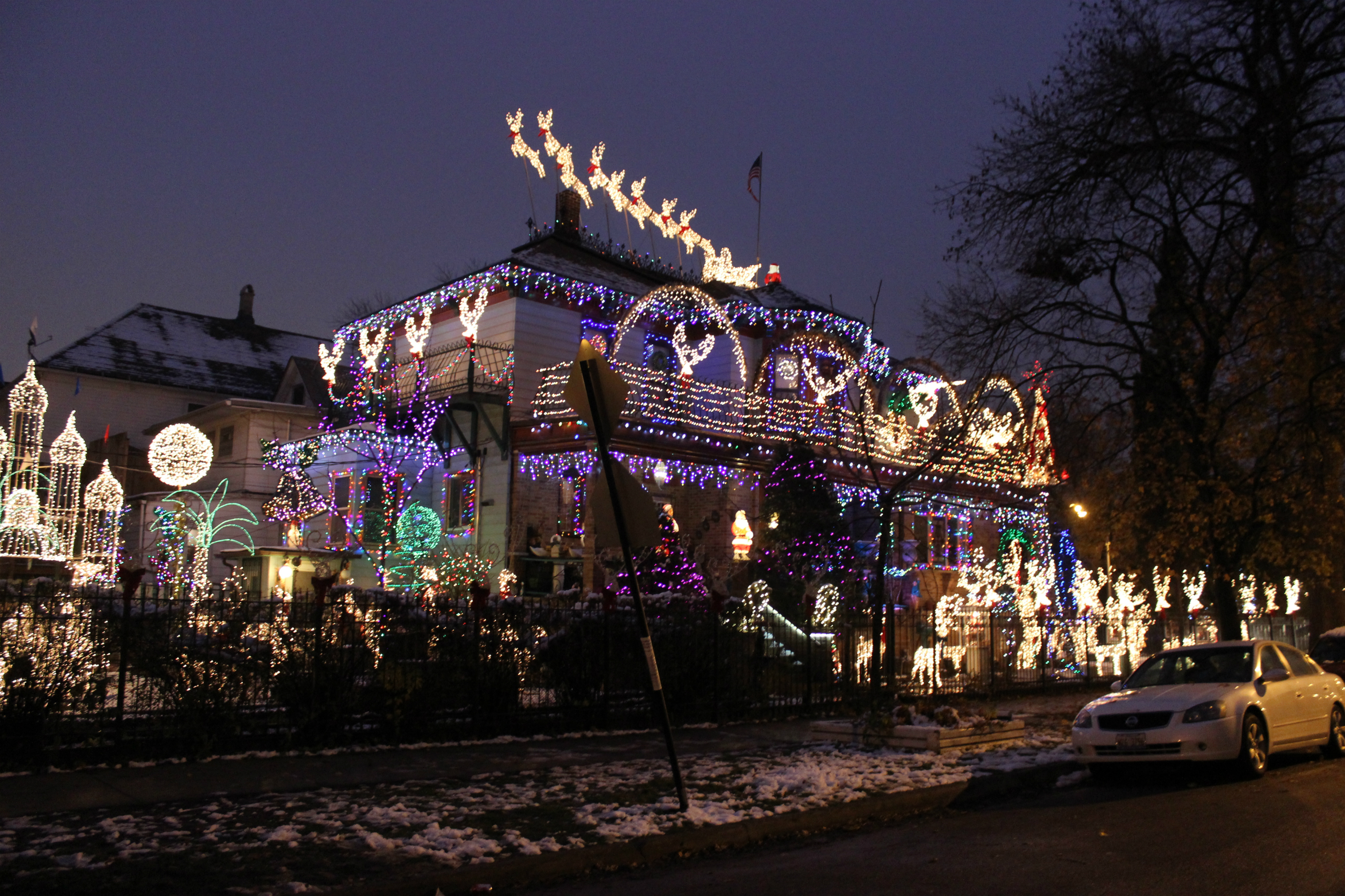 for more neighborhood news listen to dnainfo radio here - Chicago Christmas
