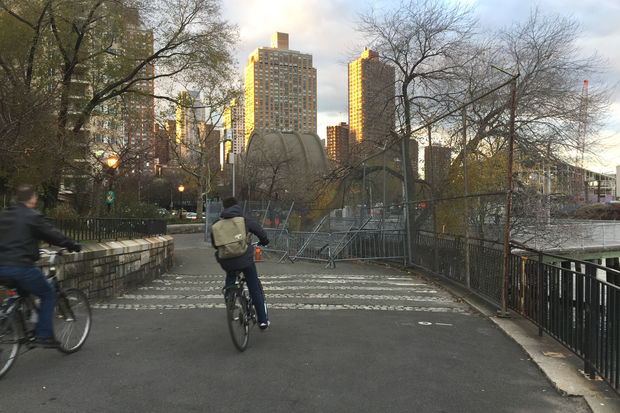The Parks Department is planning a number of fixes and upgrades to the esplanade between East 88th and East 90th streets next summer.